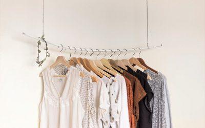 Comment recycler ses vêtements et éviter le gaspillage ? #AdopteUnSac